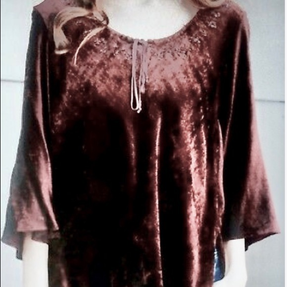 Angie Tops - Angie velvet beaded top M